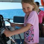 Ska man ut och köra båt så kan det vara smidigt att kunna simma. ;-)